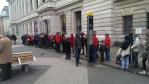 10am queues of excited children