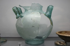 Glass cremation vessel
